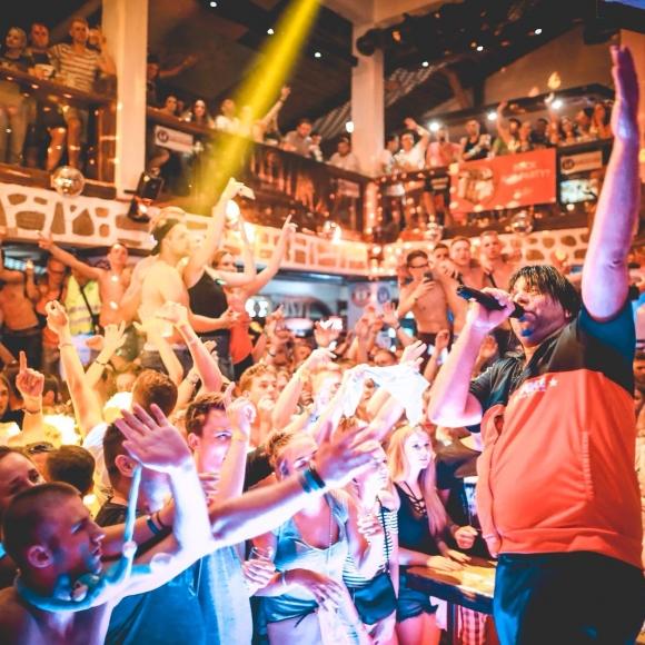 Ikke Hüftgold live at Partystadl Goldstrand 2020
